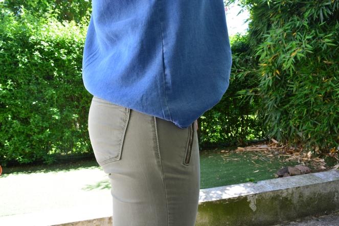 chemise en jean pantalon kaki