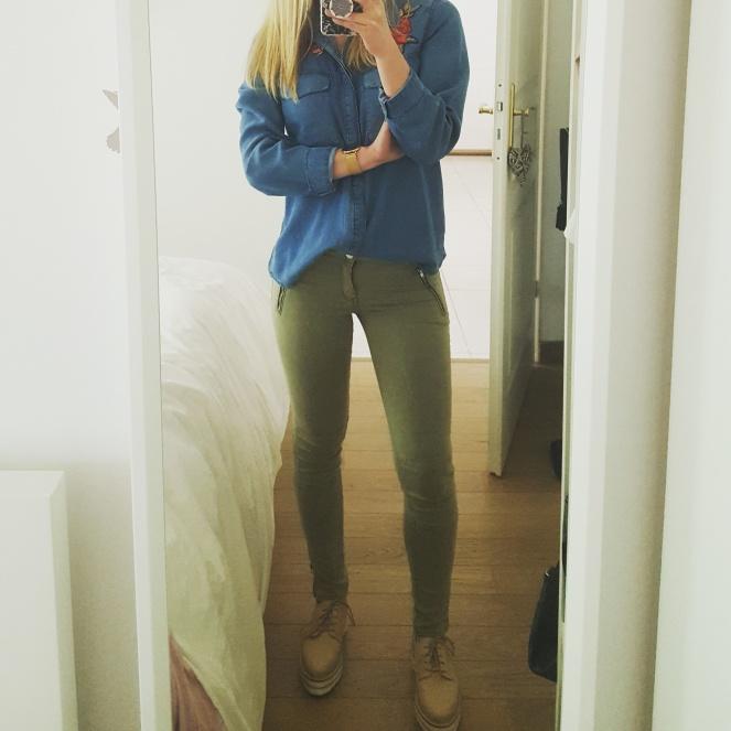 chemise en jean brodée.jpg